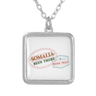 Colar Banhado A Prata Somália feito lá isso