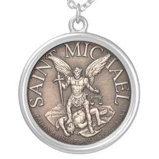 Colar Banhado A Prata St Michael