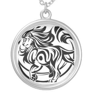 Colar Banhado A Prata Tatuagem tribal do leão