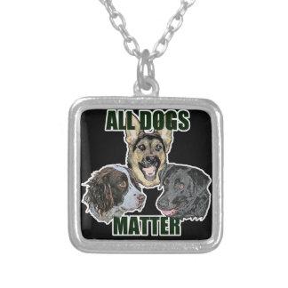 Colar Banhado A Prata Toda a matéria dos cães