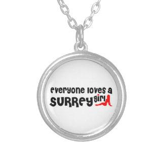 Colar Banhado A Prata Todos ama uma menina de Surrey