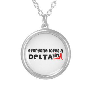 Colar Banhado A Prata Todos ama uma menina do delta