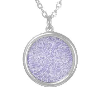 Colar Banhado A Prata Torções florais azuis do Lilac