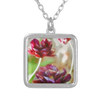 Colar Banhado A Prata Trio de florescência da tulipa da peônia escura do
