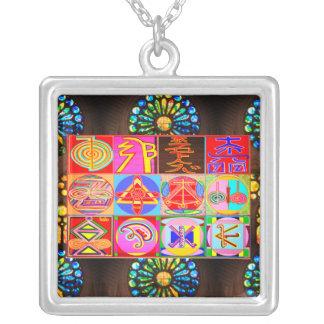 Colar Banhado A Prata TUDO EM UM: Karuna e símbolos curas de Reiki