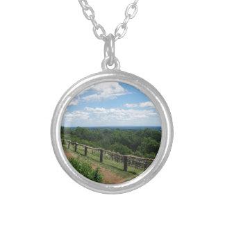 Colar Banhado A Prata Uma vista de Monticello