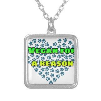 Colar Banhado A Prata Vegan para uma razão