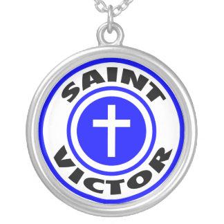 Colar Banhado A Prata Vencedor do santo