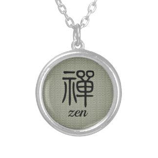 Colar Banhado A Prata Verde azeitona chinesa da caligrafia do zen