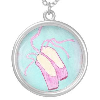Colar bonita dos calçados de balé