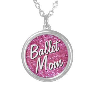 Colar cor-de-rosa da mamã do balé do Brilho-Olhar