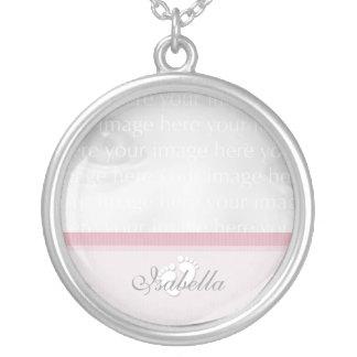 Colar cor-de-rosa da prata da foto do bebê