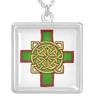 Colar customizável da arte da cruz celta