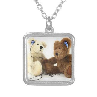 Colar da amizade de dois ursos