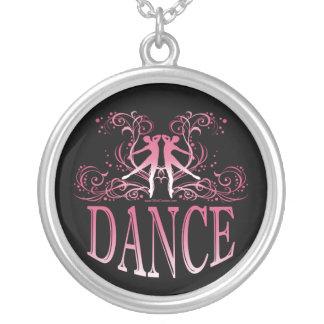 Colar da dança (aumentou)