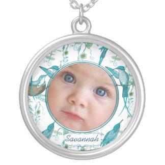 Colar da foto do bebê dos colibris do vintage