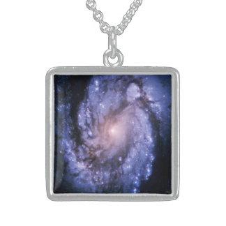 Colar da galáxia espiral M100