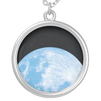 Colar da lua azul