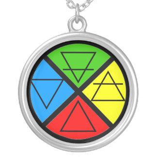 Colar da roda de quatro elementos