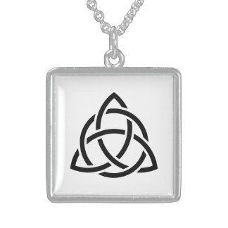 Colar De Prata Esterlina Ícone original do preto do nó de Triquetra do
