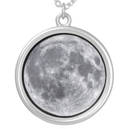 Colar do encanto do planeta do espaço da lua