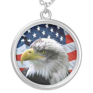 Colar do pendente da bandeira americana da águia a