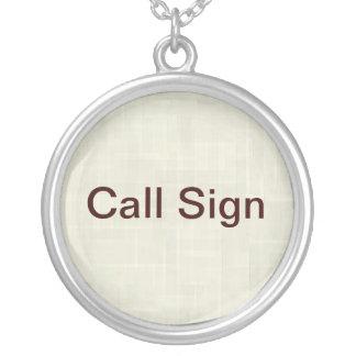 Colar do sinal de chamada para operadores de