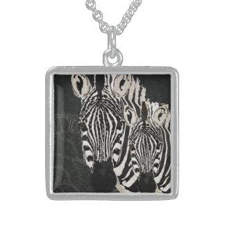 Colar estrelado das zebras
