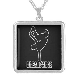 Colar feita sob encomenda da cor de Breakdance