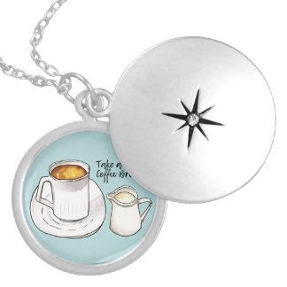 Colar Medalhão Aguarela da ruptura de café e ilustração da tinta