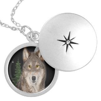 Colar Medalhão arte do lobo