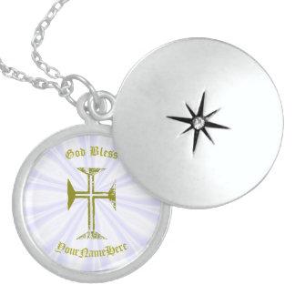 Colar Medalhão Cruz e nome destruídos ouro do olhar do falso