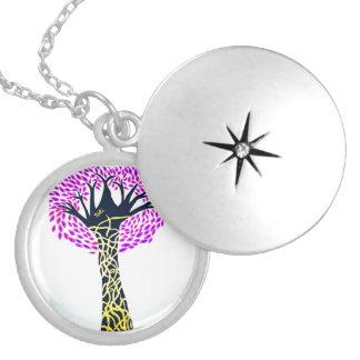 Colar Medalhão Design da árvore da arte cura por Ashi Sharma