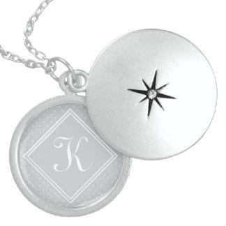 Colar Medalhão Diamante Florettes do *** com monograma