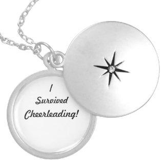 Colar Medalhão Eu sobrevivi a Cheerleading!