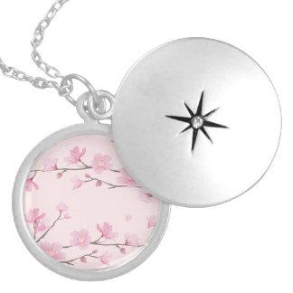 Colar Medalhão Flor de cerejeira - rosa
