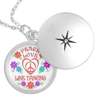 Colar Medalhão Linha de amor dança da paz