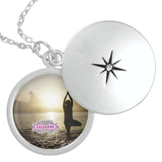 Colar Medalhão Locket da RAINHA