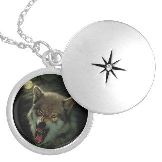 Colar Medalhão Lua do lobo