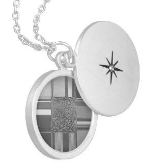 Colar Medalhão prata 03 da arte do metal