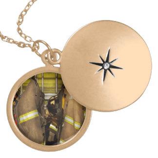 Colar Medalhão Sapador-bombeiro - engrenagem do depósito