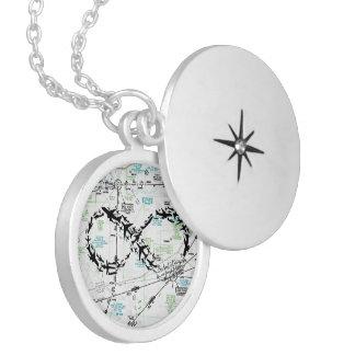 Colar Medalhão Símbolo da infinidade, jóia do mapa, jóia do avião