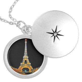 Colar Medalhão Torre Eiffel, Paris, France