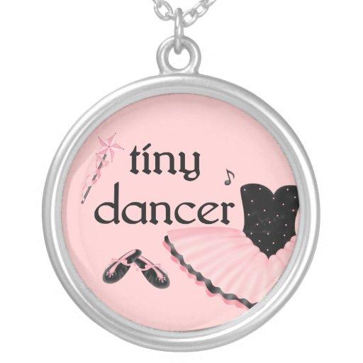 Colar minúscula do balé do dançarino
