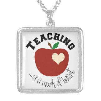 Colar para professores
