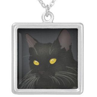 Colar quadrada chapeada prata do gato preto