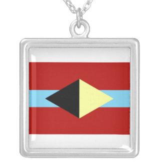 Colar quadrada com símbolo de AL-BU-KURKY