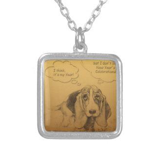 Colar quadrada do ano 2018 do cão de Basset Hound