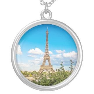 Colar redonda do encanto da foto da torre Eiffel