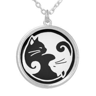 Colar redonda média dos gatos de Yin Yang